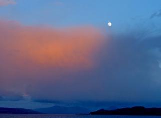Moon and sunset © Dave McFadzean